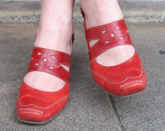 Does Alegria Made Wide Shoes For Women