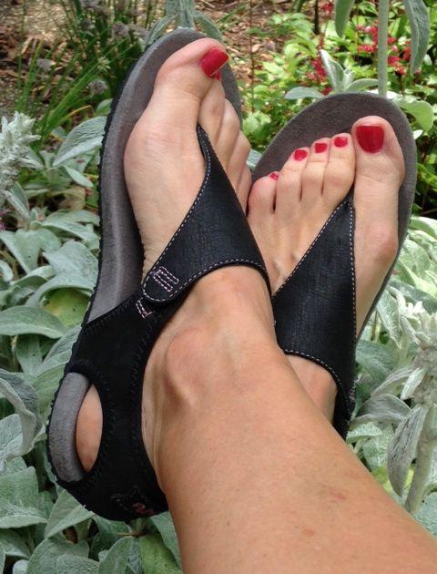 Ahnu Sandals I M Jubilant In The Ahnu Quot Serena Quot Review