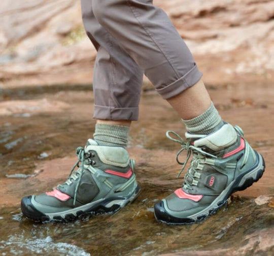 best hiking boots - keen ridge flex