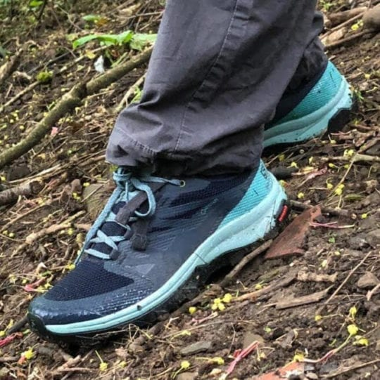 best hiking shoes - salomon outline gtx