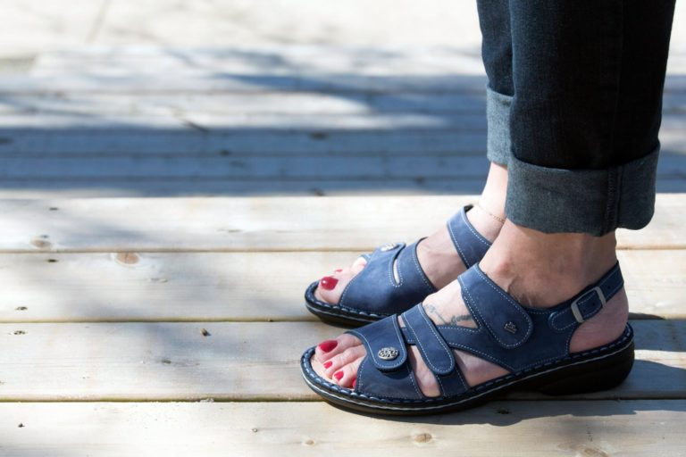 Walking Shoes For Arthritic Toes