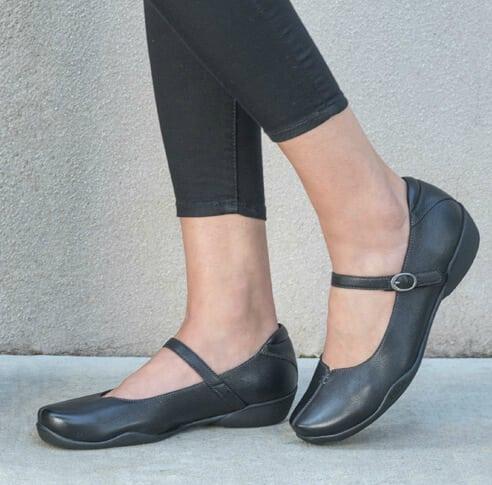 Narrow Heel, Wide Forefoot: Taos Ta-Dah