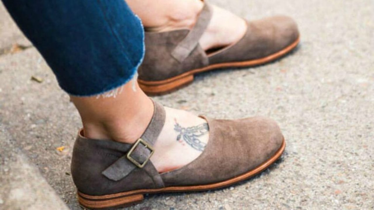 7 Narrow Heel, Wide Forefoot Shoes for
