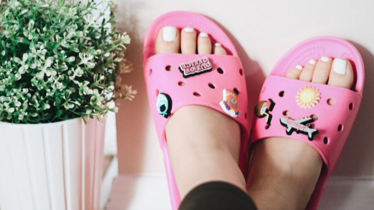 Crocs Shoes : Trendy Again in 2020! See