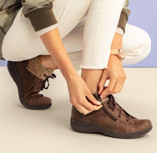 Rocker sole shoes - aravon stridarc boots