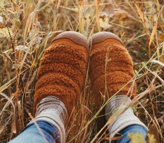 comfortable slippers - keen howser slide