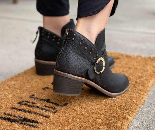 Halsa footwear
