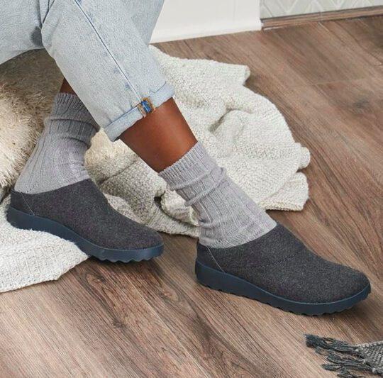 comfortable slippers - dansko lucie